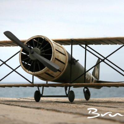 avion-metal-1